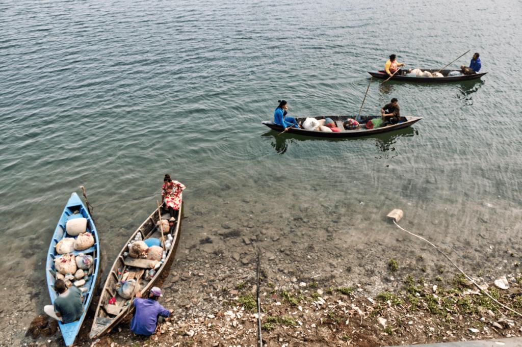 nepal_travelogue_people1_maugodudek